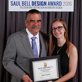 Justine Quintal remporte le prix Emerging Artist 2016 au Saul Bell Design Award