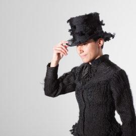 Karin Jones: Quand le bijou s'insère dans le milieu de l'art contemporain